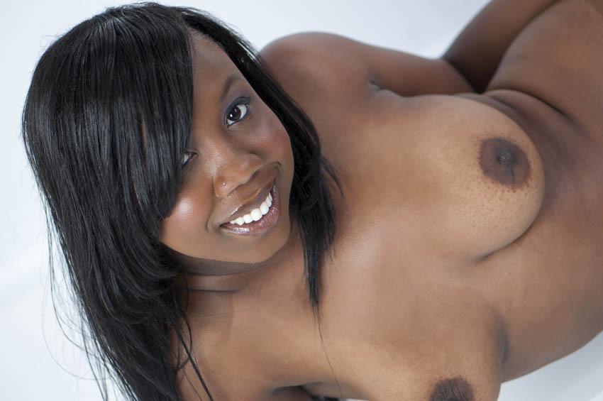 black donne numero pour baiser ses gros seins